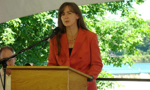 Laura Rose Day speaking at Penobscot celebration Aug 2008