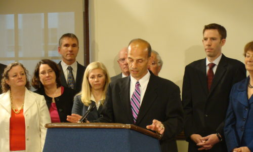 Governor Baldacci signs energy bill 2009