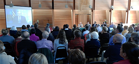 Senator Angus King joined a panel of business leaders to discuss climate change at a roundtable in South Portland today.