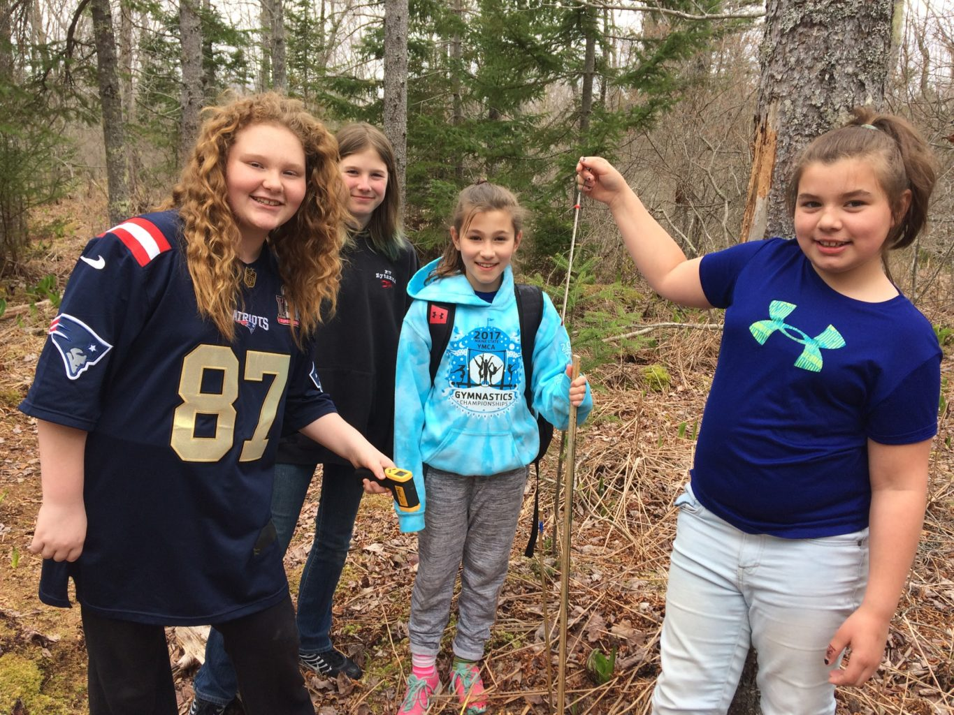 Deer Isle-Stonington elementary science students