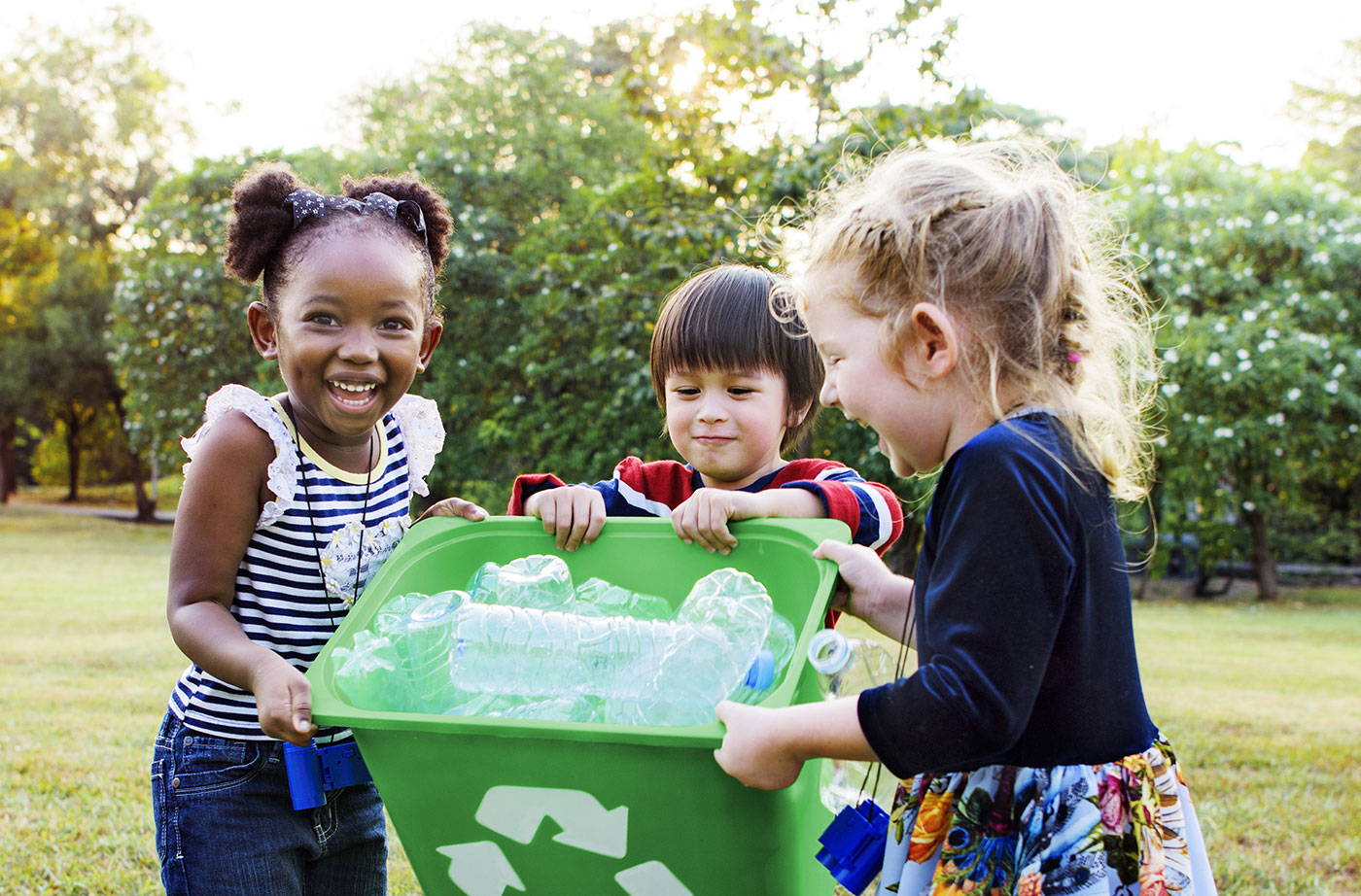 children with recycle bin